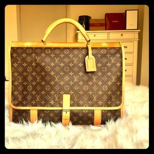 Authentic Louis Vuitton Sac Chasse Travel Bag